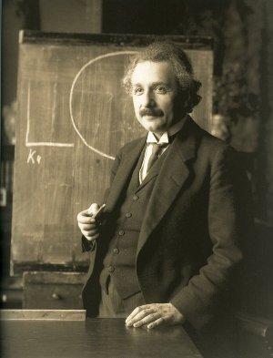 1 - Einstein_1921